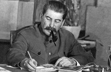 Stalin müharibə xəbərini eşidəndə niyə qaçdı?