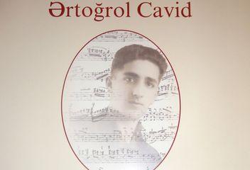 """Hüseyn Cavidin oğlunun kitabı çap olundu - <span style=""""color: red"""">Foto</span>"""