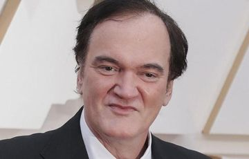 Məşhur rejissor 56 yaşında ata oldu