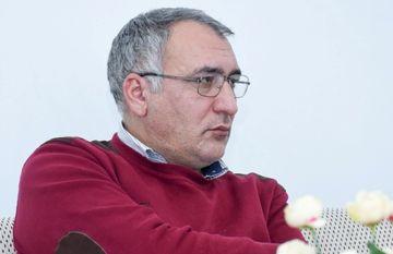 Azərbaycanda peşəkar yazıçı yoxdur