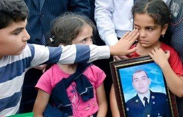 Şəhid uşaqlarının ürək parçalayan fotoları – Onlara bu travmanı yaşatmayaq
