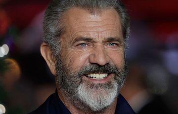 Mel Gibson koronavirusa yoluxdu