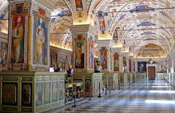 Vatikan muzeylərinin fəaliyyəti bərpa edildi