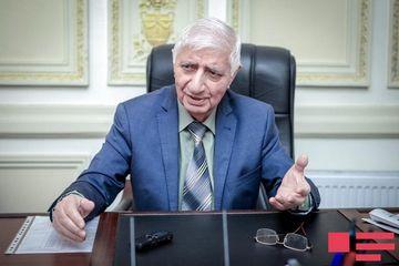 Tanınmış şair Fikrət Qocanı plagiatlıqda ittiham etdi