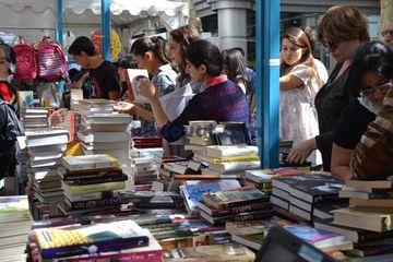 """İyunda ən çox satılan kitablar - <span style=""""color: red"""">Siyahı</span>"""